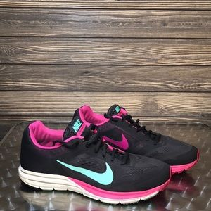 Women's Nike Structure 17 Running Shoes